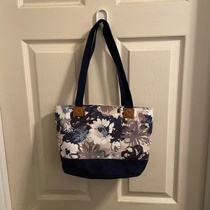Thirty-One Demi Day Bag new without package